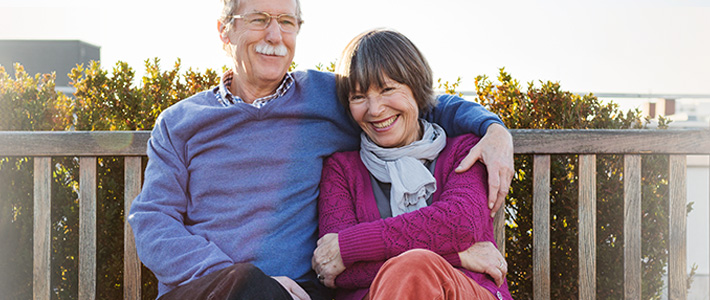 Senior couple discusses the Medicare donut hole